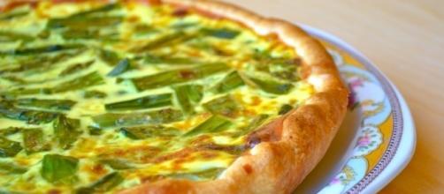 Torta del picnic con asparagi di Anna Moroni
