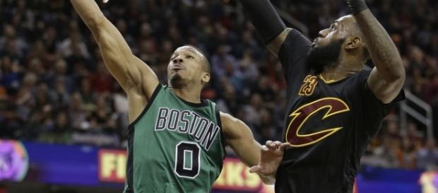 Avery Bradley compliments LeBron James... - www.facebook.com/MJOAdmin