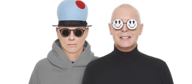 Pet Shop Boys na capa do seu recente trabalho de estúdio 'Superpop'