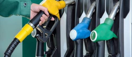 Aumentano benzina e diesel: ecco le novità in arrivo