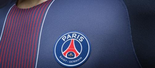 Club : Le PSG officialise le maillot domicile 2016/2017 | CulturePSG - culturepsg.com