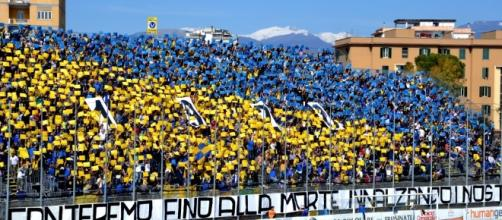 I tifosi del Frosinone che riempiranno in massa lo stadio Del Duca di Ascoli
