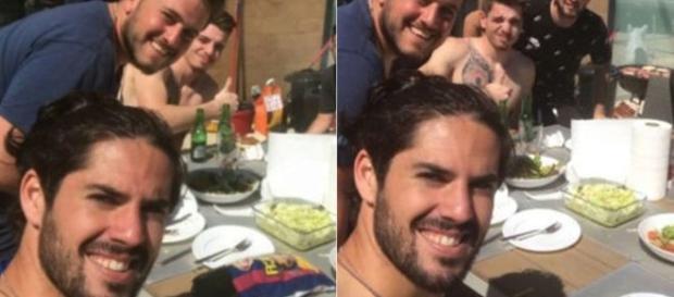 la photo publié par isco avec un paquet de chips en couleur du Barça