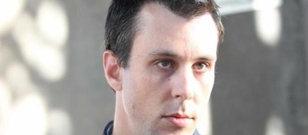 Pai é preso após perfurar estomago da filha enquanto a abusava sexualmente