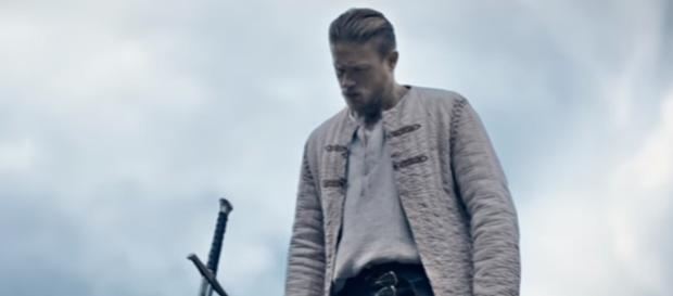 Rey Arturo: La leyenda de Excalibur - Película 2017 - SensaCine.com - sensacine.com