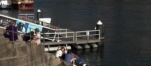 Tragédia aconteceu junto ao cais da Ribeira, na cidade do Porto
