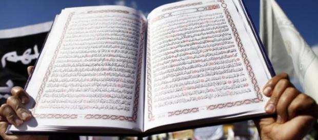 Un musulman jignește românii din Marea Britanie