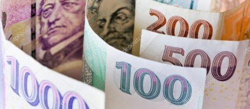 E valuta Corona ceca ceco, economia e finanza - soldi di carta ... - depositphotos.com