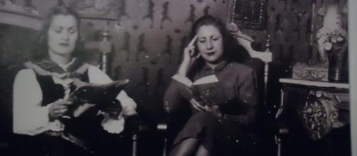 Gloria Fuertes como lectora empedernida en buena compañía