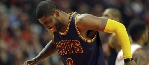 Kyrie Irving's knee has bothered him lately - sfgate.com