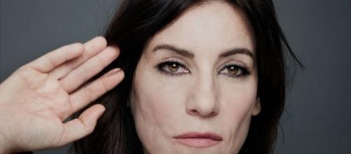 Paola Turci (foto di Ilaria Magliocchetti Lombi): la rinata cantautrice romana è in vetta nelle classifiche di vendita.