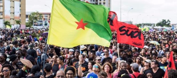Guyane : les manifestations montent d'un cran