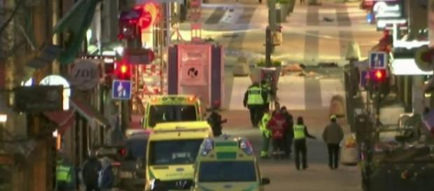 Terrore a Stoccolma, l'arrivo dei soccorsi
