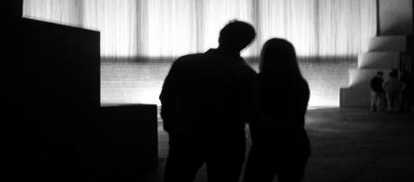 Jovem de 18 anos prepara o casamento com seu pai