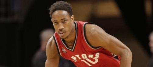 DeMar DeRozan put up 35 points on Sunday in a Raptors' win. [Image via Blasting News image library/inquisitr.com]