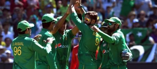 Pakistan vs WI , 2nd ODI highlights: Pak 221/4, win by 6 ... - hindustantimes.com