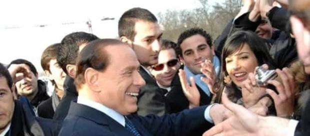 """Berlusconi e i cani: """"Ne ha 21 insieme alla figlia Marina"""" - today.it"""
