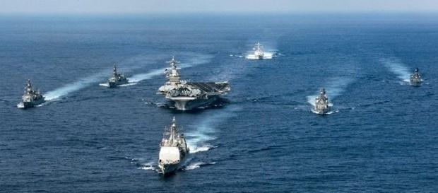 USS Carl Vinson pode atacar Coreia do Norte a qualquer momento.