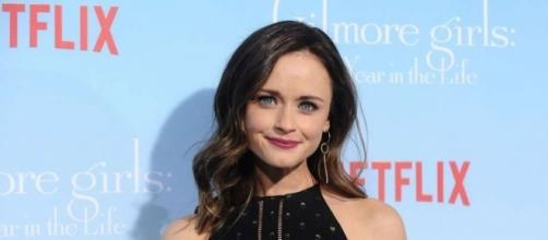 Alexis Bledel thinks Rory Gilmore would like 'The Handmaid's Tale ... - chron.com