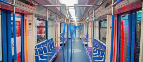 El interior del nuevo tren Moskva, con un aspecto más renovado y atractivo.