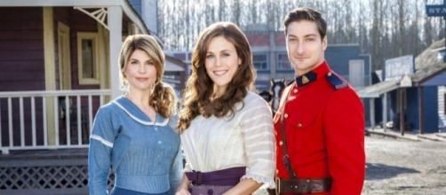 Hallmark Renews WHEN CALLS THE HEART For Season 5 | SEAT42F - seat42f.com