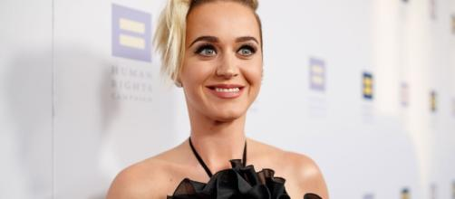 Katy Perry viciously slammed online for her Obama joke (people.com)