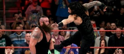 Roman Reigns tried his best to defeat the monster Braun Strowman on Sunday night. [Image via Blasting News image library/pinterest.com]