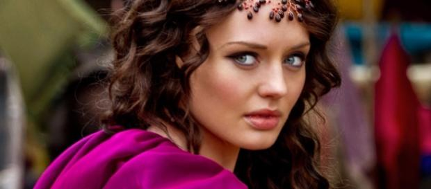 Transformers 5 Gets Da Vinci's Demons Star Laura Haddock - movieweb.com