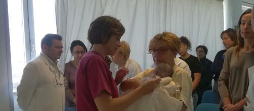 All'ospedale di Trapani, è stata battezzata la neonata rifiutata dai genitori per una grave patologia genetica. Foto: insanitas.it.
