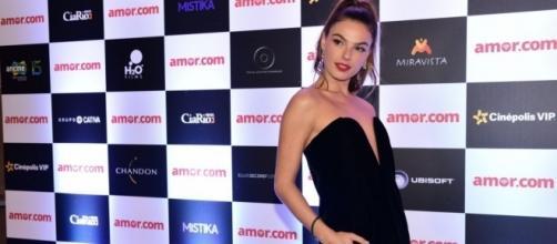 """Isis em pré-estreia do filme """"Amor.com"""""""