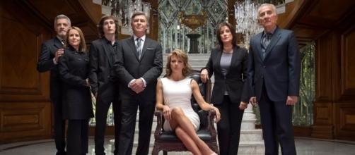 Las telenovelas o las series se quedan en hoarario estelar.