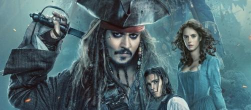 Pirates 5 Poster Sets Sail with Captain Jack, New Trailer Coming ... - movieweb.com