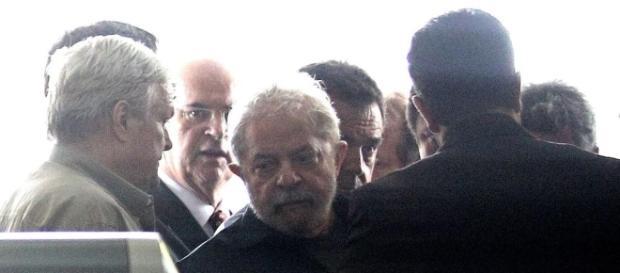 O ex-presidente chegou 15 minutos antes do horário marcado na audiência
