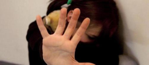 Abusi su una minorenne di Sessa Aurunca: arrestato pedofilo sessantenne