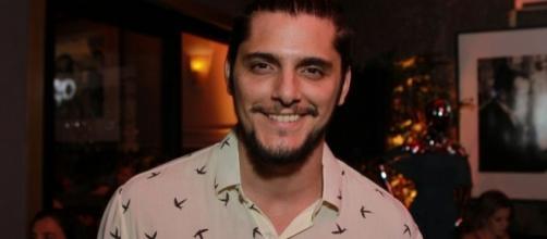Bruno Gissoni confirma novo relacionamento