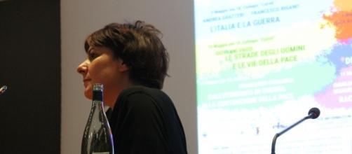 """Cecilia Strada, presidente di Emergency, al Festival """"La Guerra è"""" - Ripensare il mondo senza conflitti"""" (foto Gruppo Volontari Emergency Pavia)"""