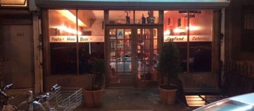 Desy's Clam Bar 562 Grand St, Brooklyn, NY 11211. ( Photo credit myself )