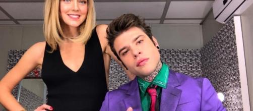 Fedez e Chiara Ferragni, il selfie nel backstage di X Factor - today.it