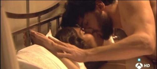 Il Segreto, anticipazioni: Hernando e Camila fanno l'amore