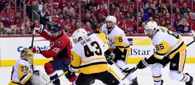 Los Penguins eliminaron por 2do año consecutivo a los Capitals en la 2da ronda de playoff.