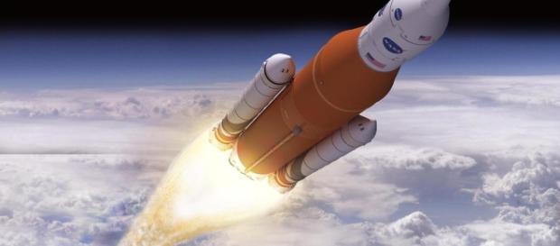 NASA Considers Adding Crew to First SLS Flight - vr-zone.com