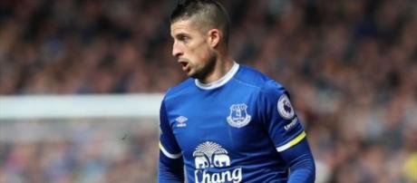 Kevin Mirallas signs new long-term Everton contract ... - eurosport.com
