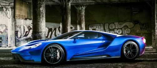 2017 Ford GT: A Dearborn hero, reborn - roadandtrack.com