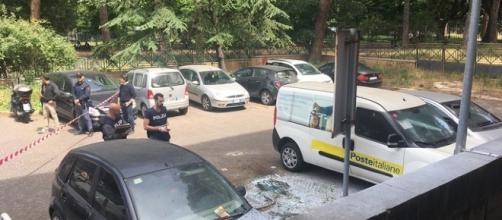 Bomba fra due auto alle sede centrale delle poste di Roma