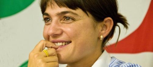 È bufera dopo le dichiarazioni di Debora Serracchiani a proposito dello stupro