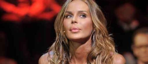 Nina Moric contro i gay: nasce una polemica