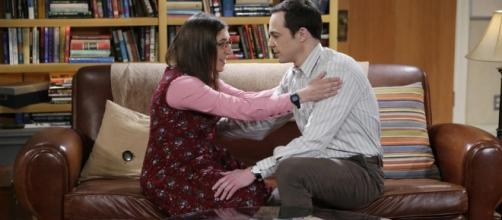 """The Big Bang Theory"" season 10 finale will make you grab a tissues as Sheldon proposes to Amy. (Photo via - tvguide.com)"