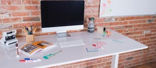 The Whiteboard Deskshield fosters increased creativity and health. / Photo via Danni Kosturko, Small Girls PR. Used with permission.