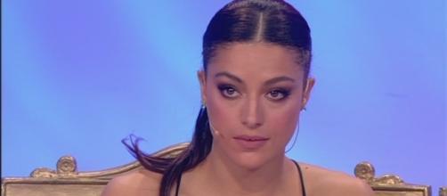 Sorpresa a Uomini e Donne: Desirée Popper annuncia di voler lasciare la trasmissione prima di effettuare la scelta