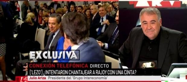 Ferreras en conexión telefónica con Julio Ariza.
